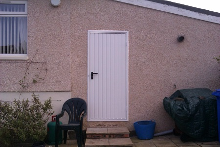 With custom size doors and an extensive range of stlyes and colours and woodgrain finishes to match your garage theres always door to complement your ... & Side Hung Garage Doors